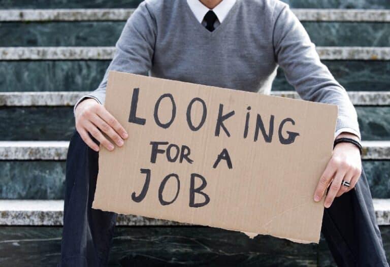 בוטקאמפים וקורסים כטקטיקה לחיפוש עבודה ראשונה